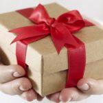 Как подобрать упаковку для подарка?