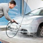 Как пользоваться пенным очистителем двигателя?